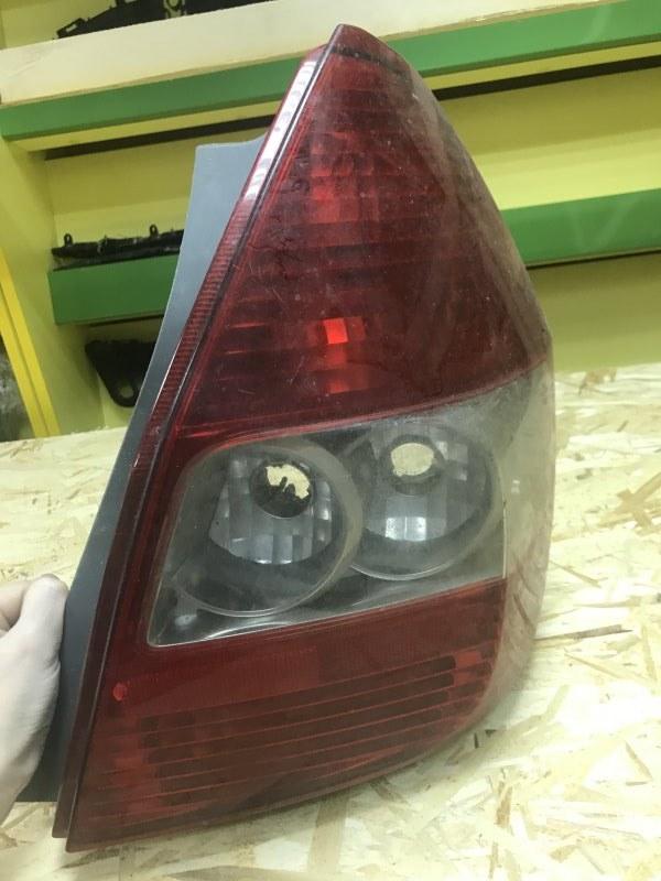 Стоп-сигнал Honda Fit GD1 правый (б/у)