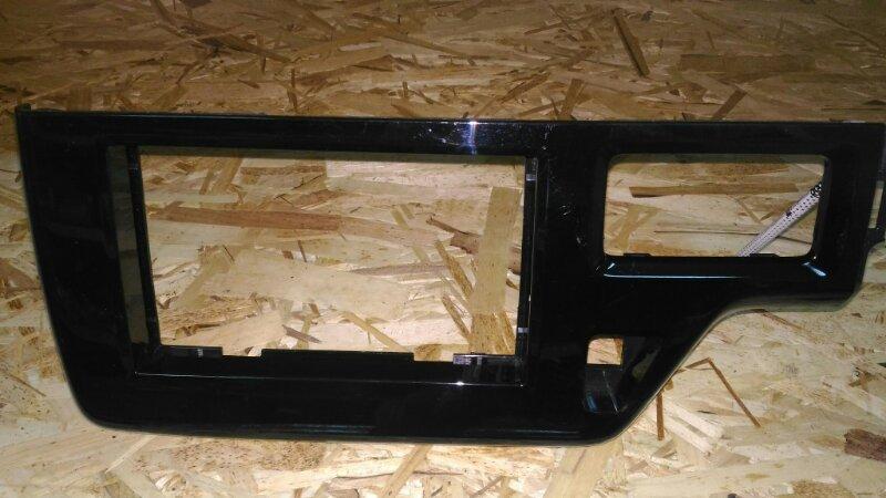 Консоль магнитофона Honda Step Wagon RP3 (б/у)