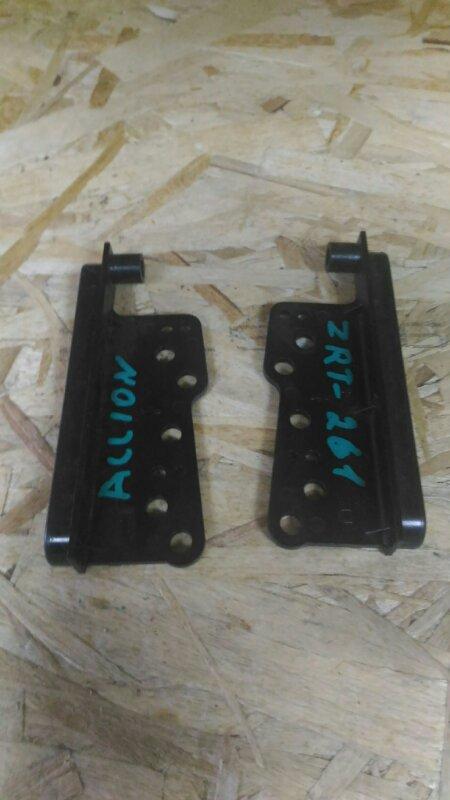 Крепление автомагнитолы Toyota Allion ZRT261 (б/у)
