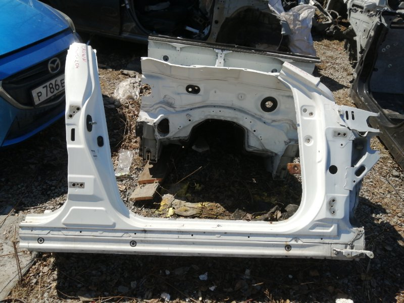 Стойка кузова средняя Toyota Crown GWS204 2GR 2012 правая (б/у)