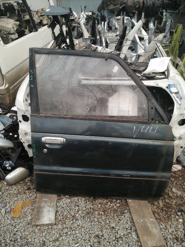Дверь Mitsubishi Pajero V44W передняя правая (б/у)