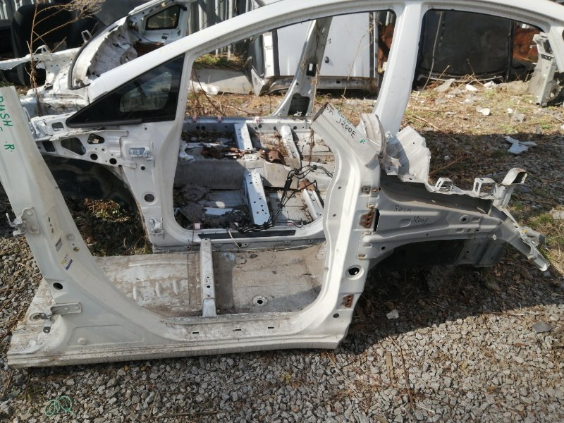 Стойка кузова средняя Toyota Rush J210E 3SZ правая (б/у)