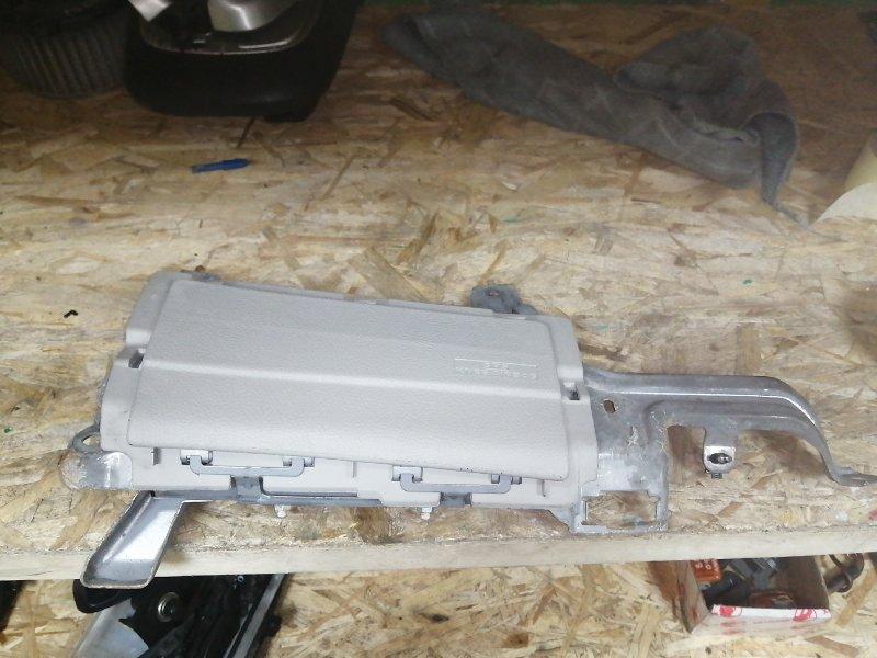 Airbag коленный Toyota Harrier ACU30 (б/у)