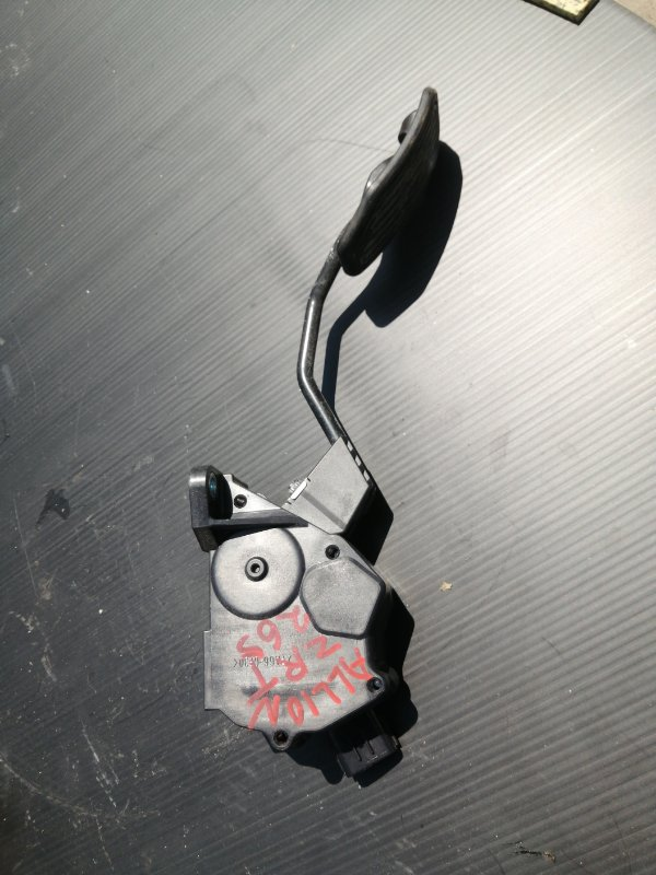 Педаль газа Toyota Allion ZRT265 2ZR 2008 (б/у)