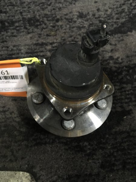 Ступичный узел Toyota Vista Ardeo ZZV50 задний