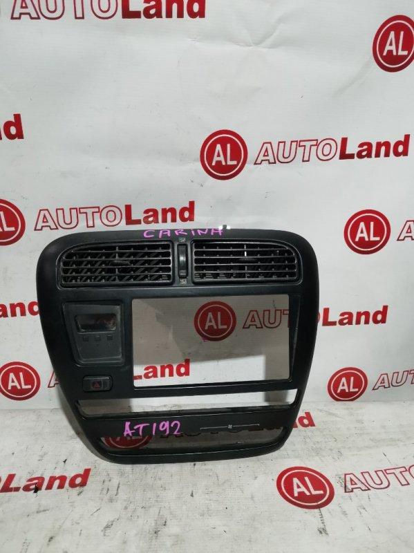 Консоль магнитофона Toyota Carina ST190