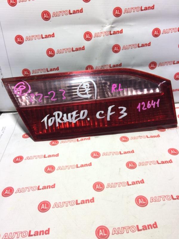 Вставка в крышку багажника Honda Torneo CF3 задняя левая