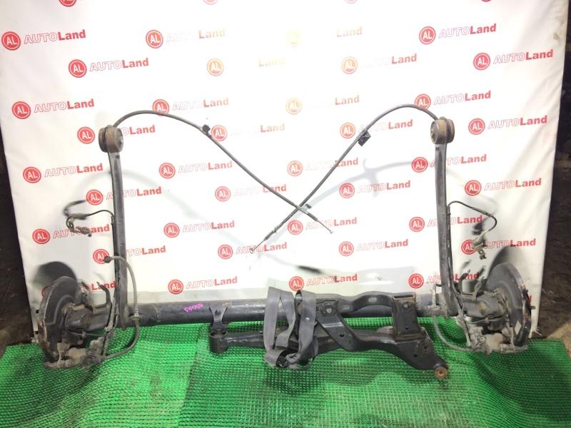 Задняя балка со ступицами Nissan Cefiro A33 задняя