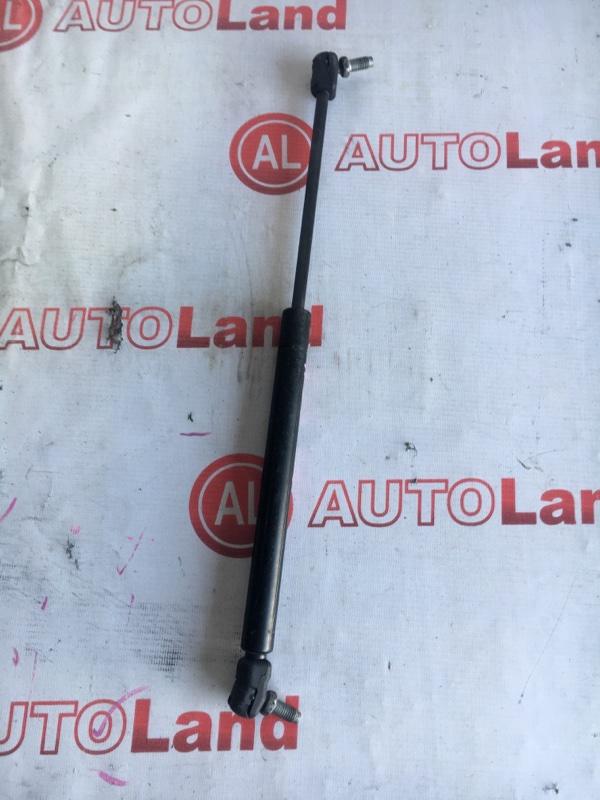 Амортизатор капота Nissan Cefiro A33