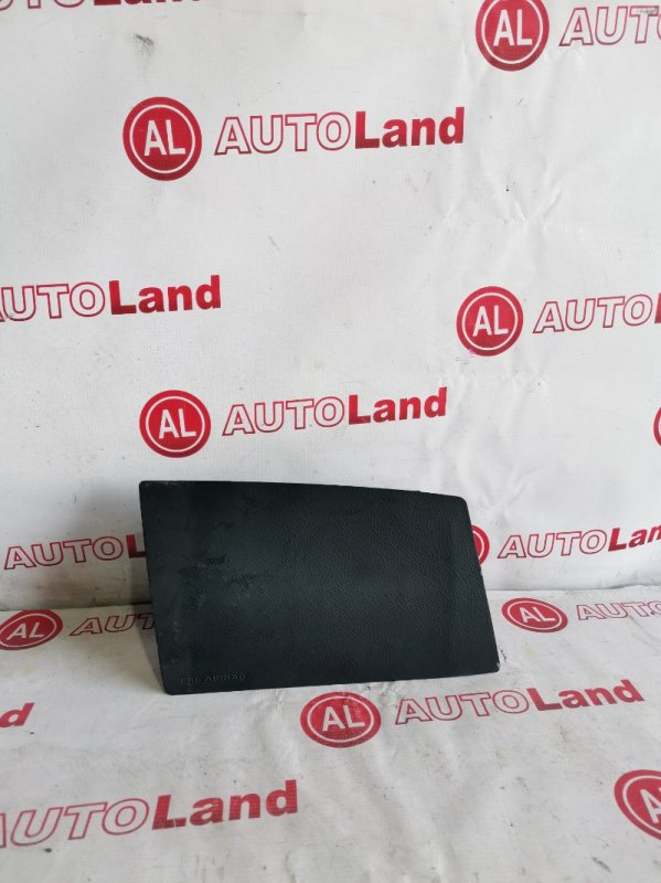 Крышка airbag Toyota Voxy AZR60 передняя левая