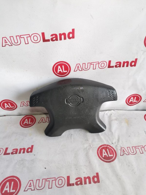 Крышка airbag Nissan Cefiro A33 передняя правая