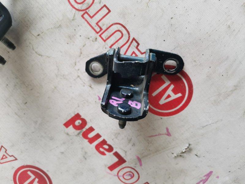 Петля двери Toyota Caldina ST210 задняя левая верхняя