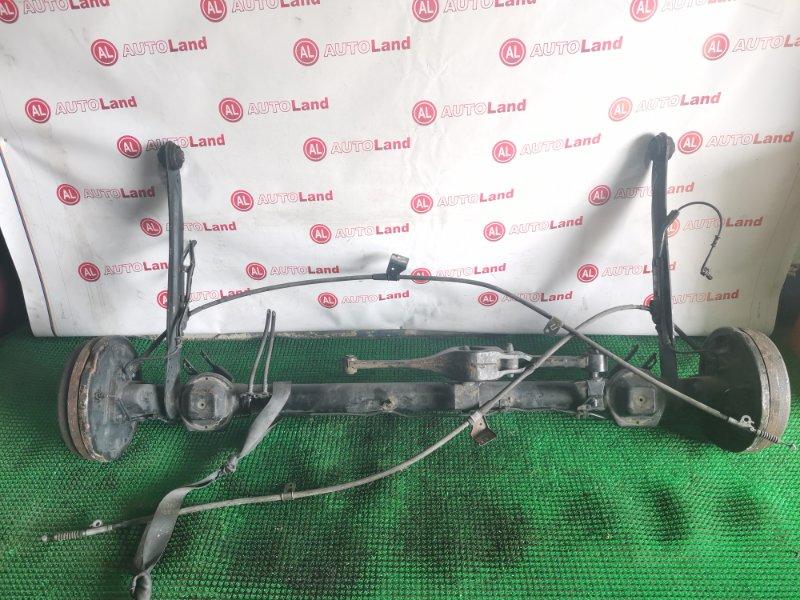 Задняя балка со ступицами Nissan Presage U30 задняя
