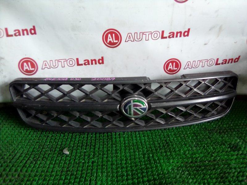 Решетка радиатора Nissan Rnessa U30