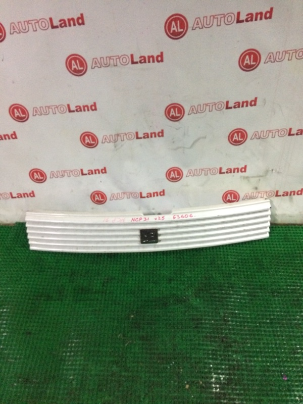 Решетка радиатора Toyota Bb NCP31
