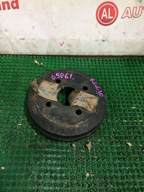 Тормозной барабан Toyota Passo KGC10 задний