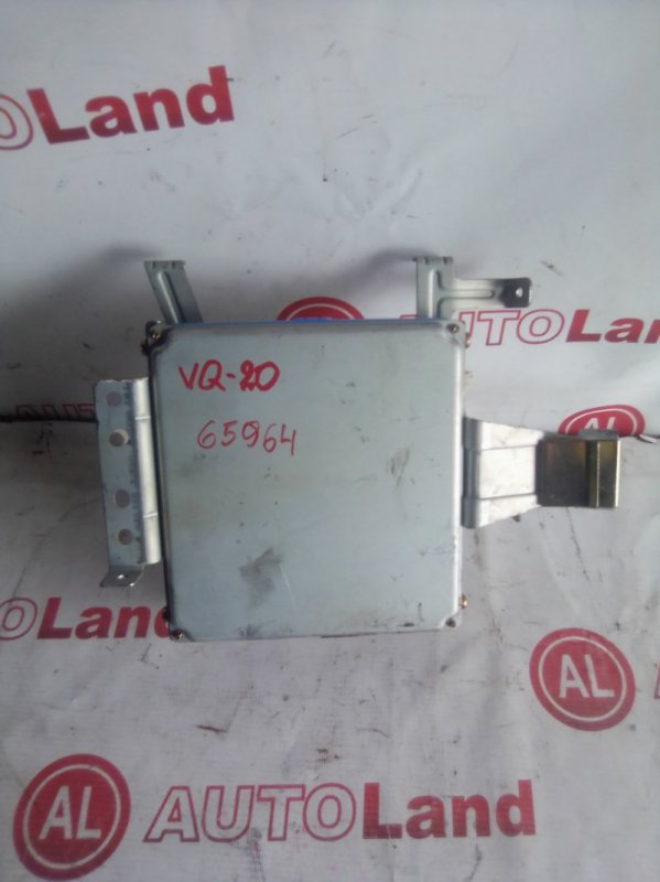 Блок управления двс Nissan Cefiro A32 VQ20