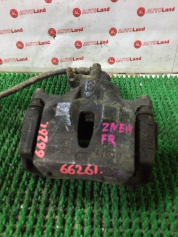 Суппорт тормозной Toyota Wish ZNE14 передний правый