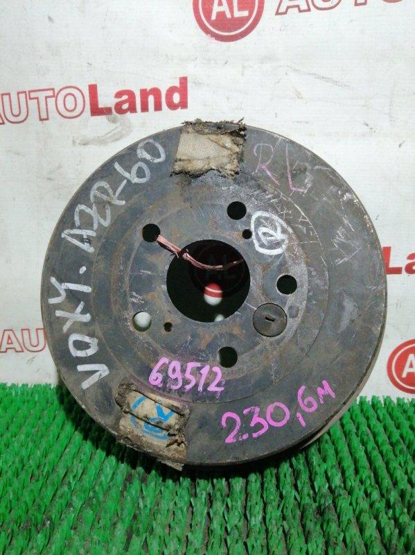 Тормозной барабан Toyota Hoah AZR60 задний правый