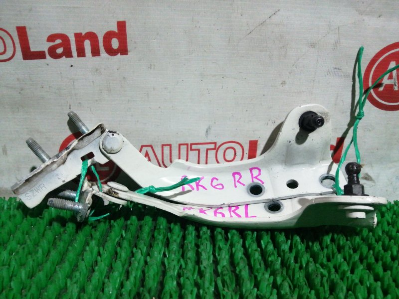 Петли капота Honda Stepwagon RK6