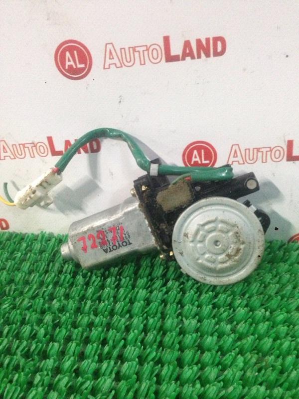 Мотор стеклоподьемника Toyota Corolla AE110 передний левый