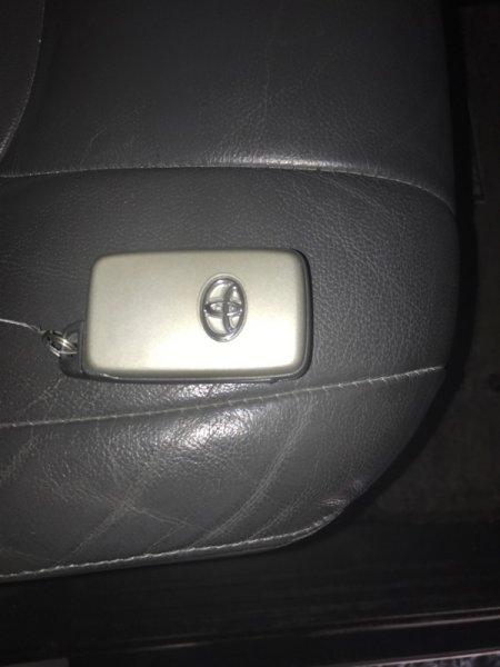 Ключ зажигания Toyota Land Cruiser UZJ200 2UZ-FE 2008 (б/у)