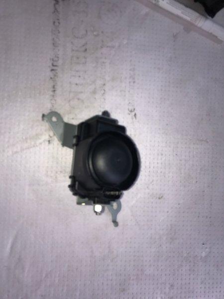 Звуковой сигнал Toyota Land Cruiser UZJ200 2UZ-FE 2008 (б/у)