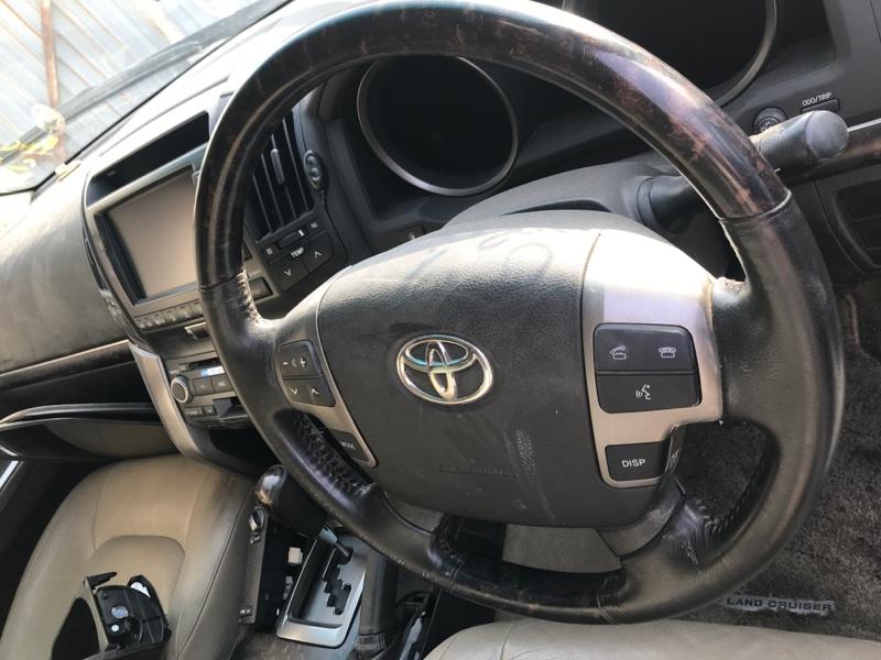 Airbag водительский Toyota Land Cruiser UZJ200 2UZ-FE 2008 (б/у)