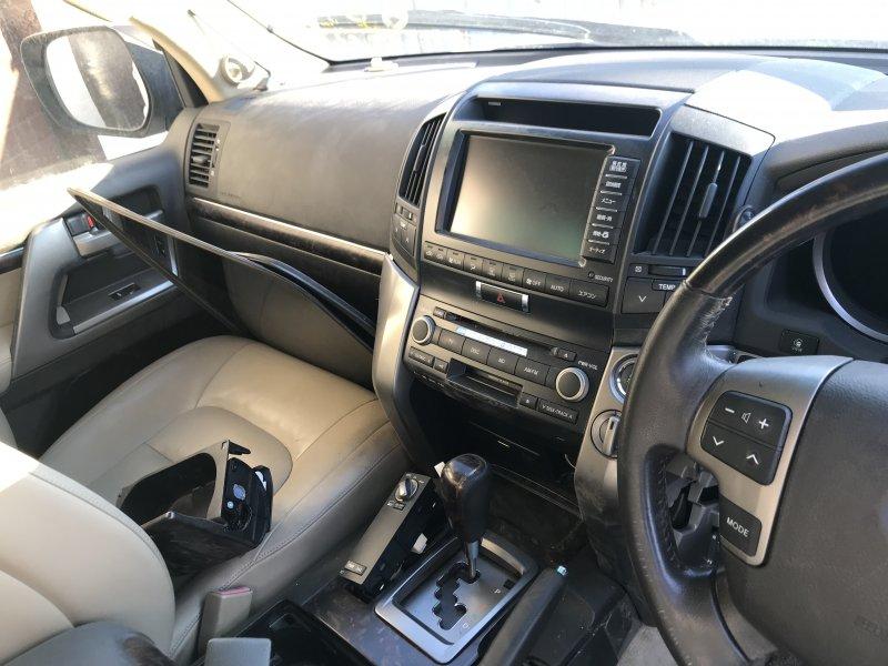 Ручка кпп Toyota Land Cruiser UZJ200 2UZ-FE 2008 (б/у)