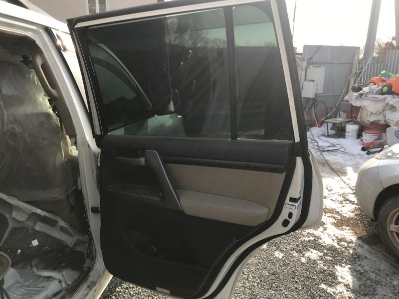 Ручка двери внутренняя Toyota Land Cruiser UZJ200 2UZ-FE 2008 задняя правая (б/у)