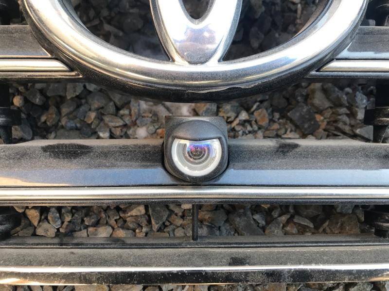 Камера переднего вида Toyota Land Cruiser UZJ200 2UZ-FE 2008 (б/у)