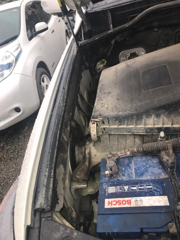 Уплотнение капота Toyota Land Cruiser VDJ200 1VD-FTV 2014 правое (б/у)