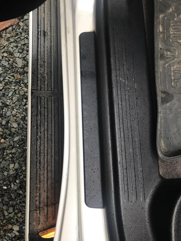 Порожек пластиковый Toyota Land Cruiser VDJ200 1VD-FTV 2014 задний левый (б/у)