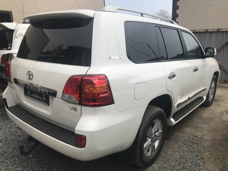 Стекло собачника Toyota Land Cruiser VDJ200 1VD-FTV 2014 правое (б/у)
