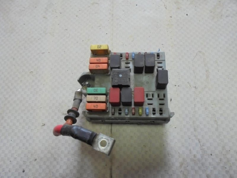 Блок предохранителей Fiat Albea 178 350A1000 2008 (б/у)