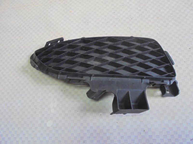 Решетка в бампер Mazda Mazda3 BK LF17 2005 правая (б/у)