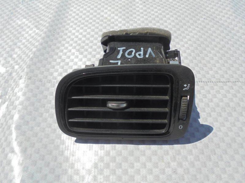 Дефлектор воздушный Volkswagen Polo 612 CFN 2013 левый (б/у)