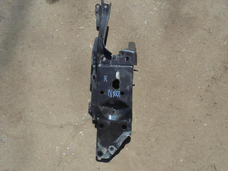 Панель передняя (телевизор) Nissan X-Trail T31 MR20DE 2011 передний правый (б/у)
