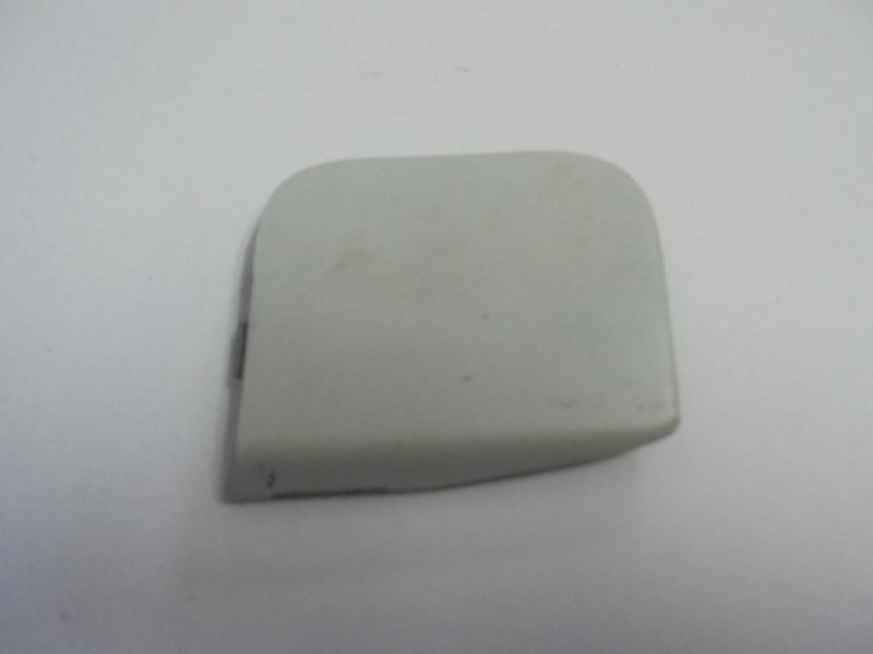 Заглушка буксировочного крюка Ford Fusion CBK передняя (б/у)