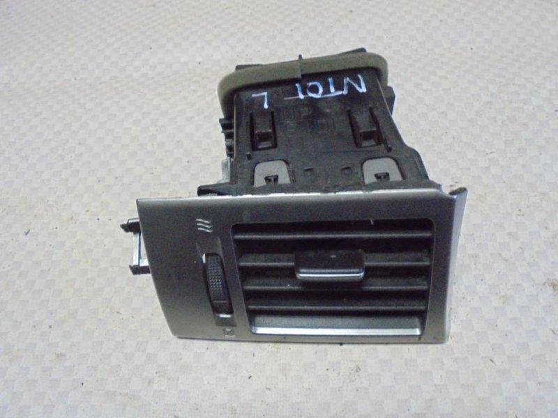 Дефлектор воздушный Nissan Tiida C11 HR16DE 2008 левый (б/у)