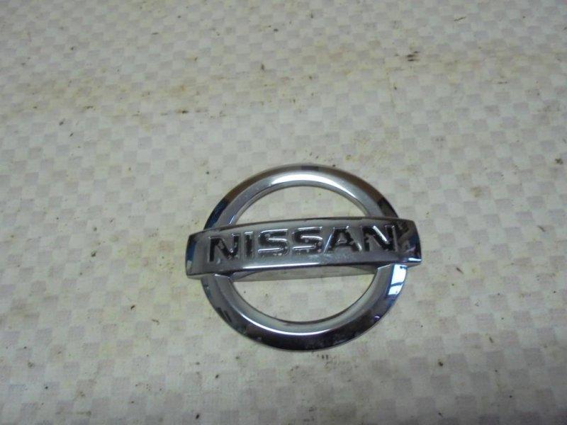 Эмблема Nissan Tiida C11 HR16DE 2008 задняя (б/у)