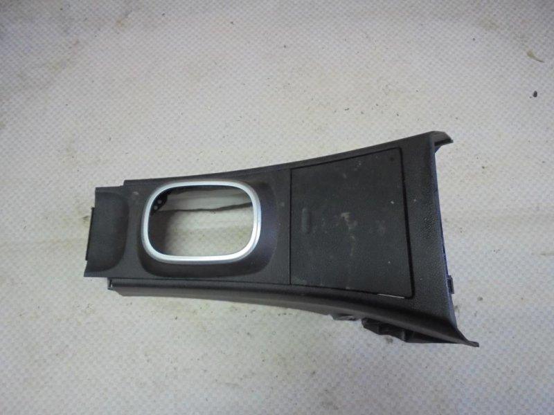 Консоль центральная Nissan Tiida C11 HR16DE 2008 передний (б/у)