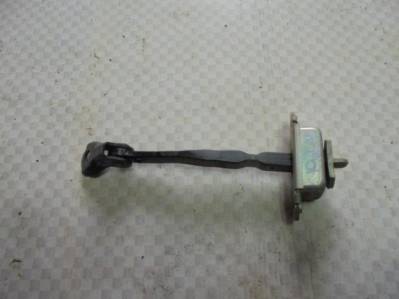 Ограничитель двери Nissan Tiida C11 HR16DE 2008 передний правый (б/у)