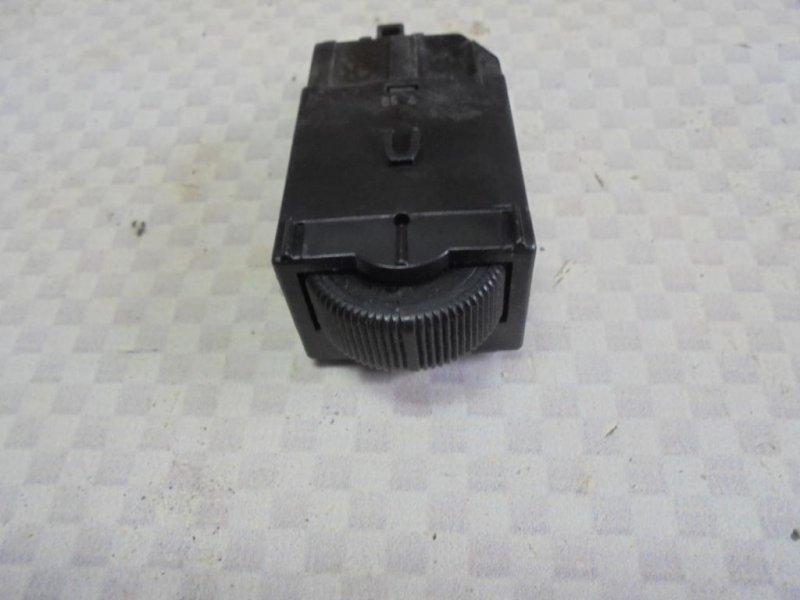 Кнопка освещения панели приборов Mitsubishi Carisma DA2A 4G93 1998 (б/у)