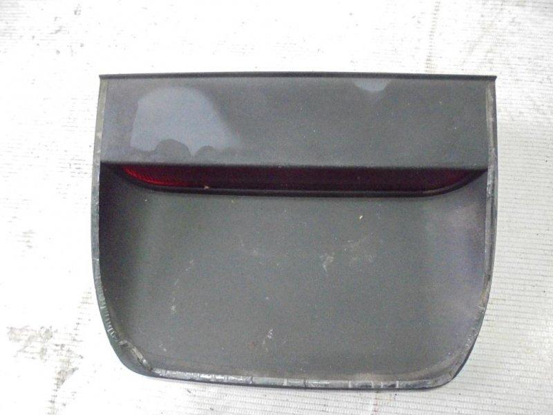 Стоп-сигнал дополнительный Mitsubishi Carisma DA2A 4G93 1998 (б/у)