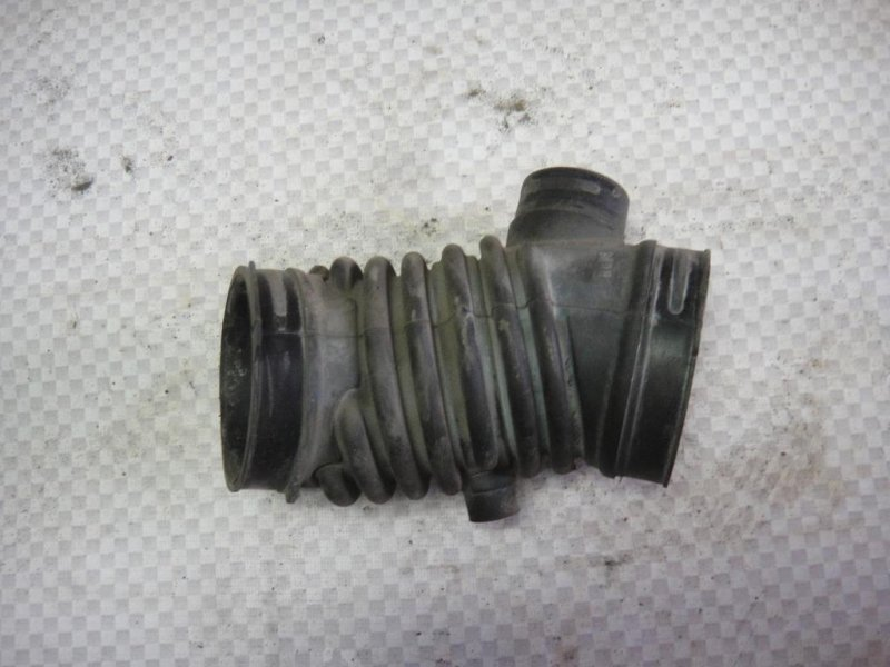 Патрубок воздушного фильтра Mazda Mazda3 BK LF 2006 (б/у)