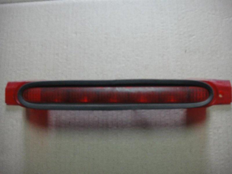 Стоп-сигнал дополнительный Ford Focus L4 2004 (б/у)