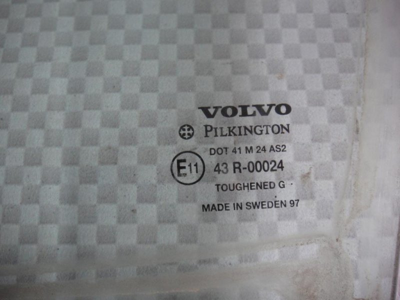 Стекло двери Volvo S70 LS B5252FS 1997 переднее левое (б/у)