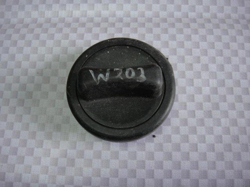 Крышка топливного бака Mercedes-Benz C-Class W203 M271.946 2002 (б/у)