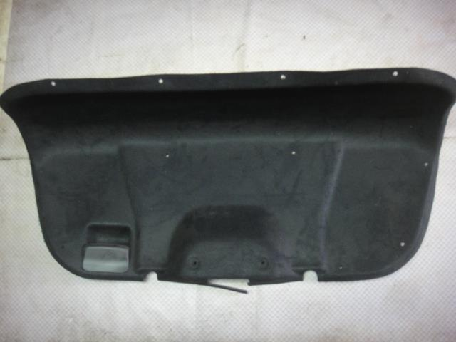 Обшивка крышки багажника Ford Focus CB4 (б/у)